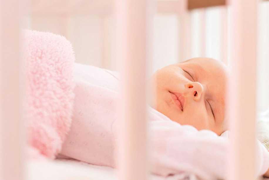 Yenidoğan Bebekler Nasıl Yatırılmalı?