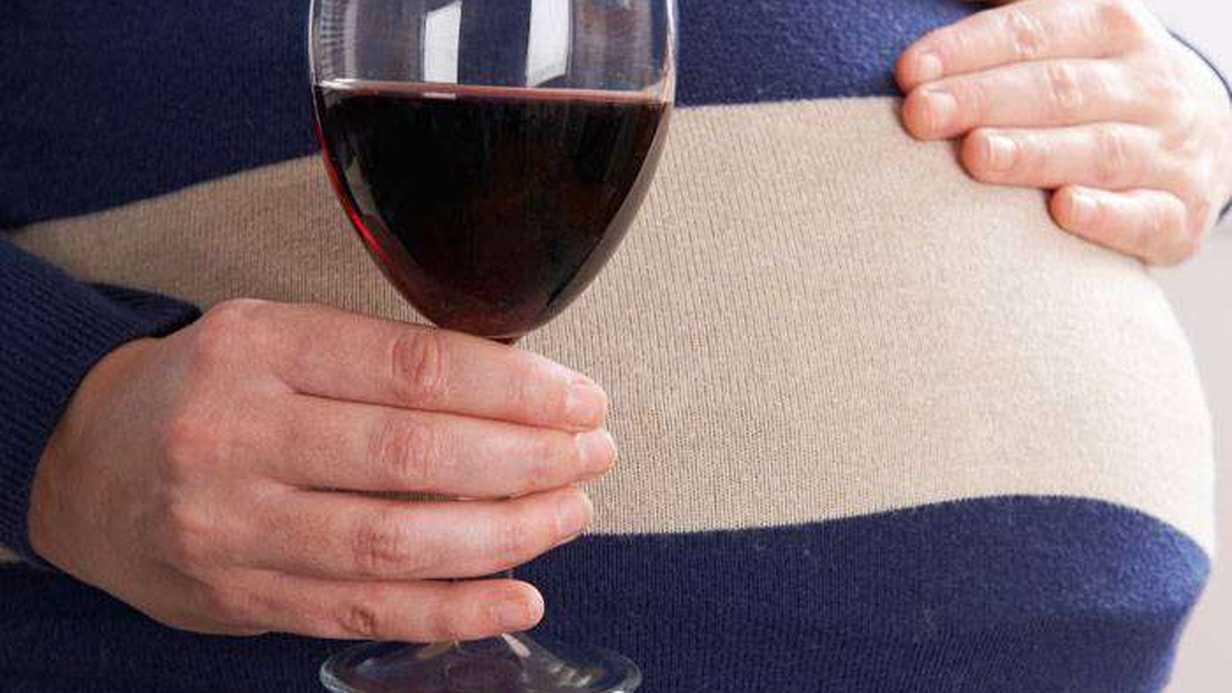 Alkol Almak Bebeğinizi Büyük Bir Riske Sokabilir
