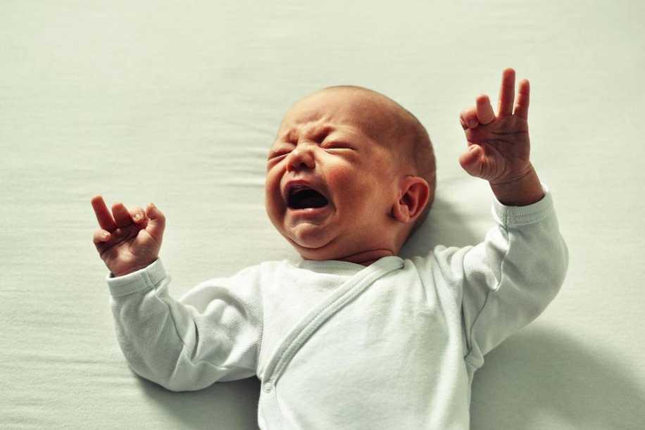 Bebekler Uykuda Neden Sıçrar ve İrkilir?