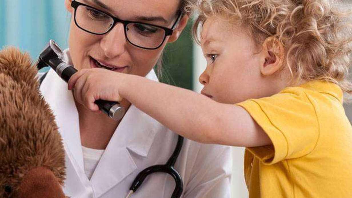 Çocuklarla Doktor Muayeneleri