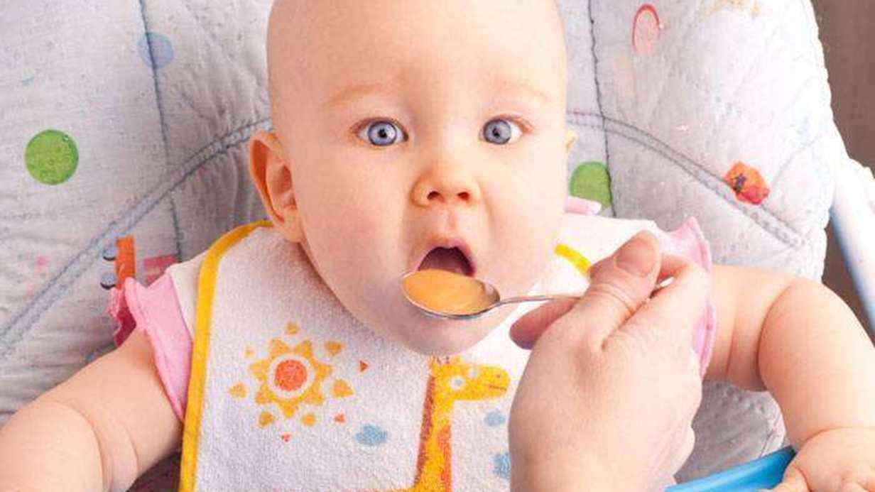 Bebeğim Ek Gıdaya Geçiyor