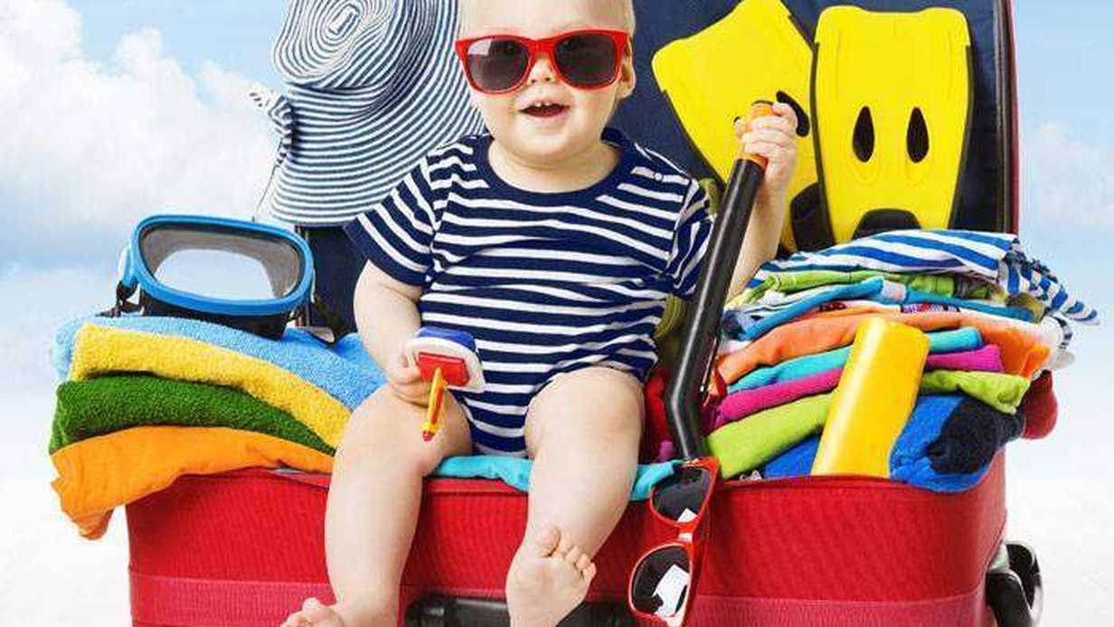 Bebekle Seyahat Edenler İçin Hayatta Kalma Rehberi