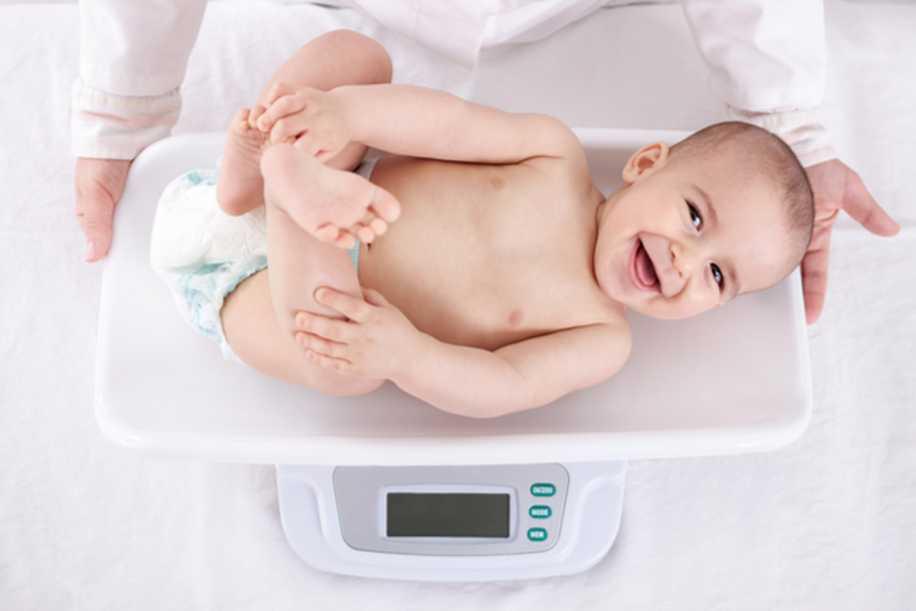 Her Annenin Aklındaki Soru:  Yenidoğan Bebeğimi Ne Sıklıkla Emzirmeliyim?