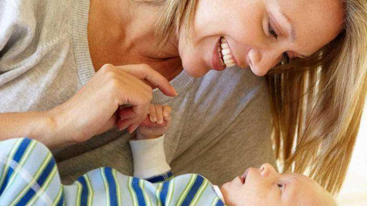 Bebeğiniz ile Bebek Gibi mi Konuşuyorsunuz?