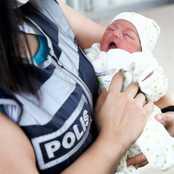 Hastaneye Yetişemeyince Doğumu Polis Yaptırdı!