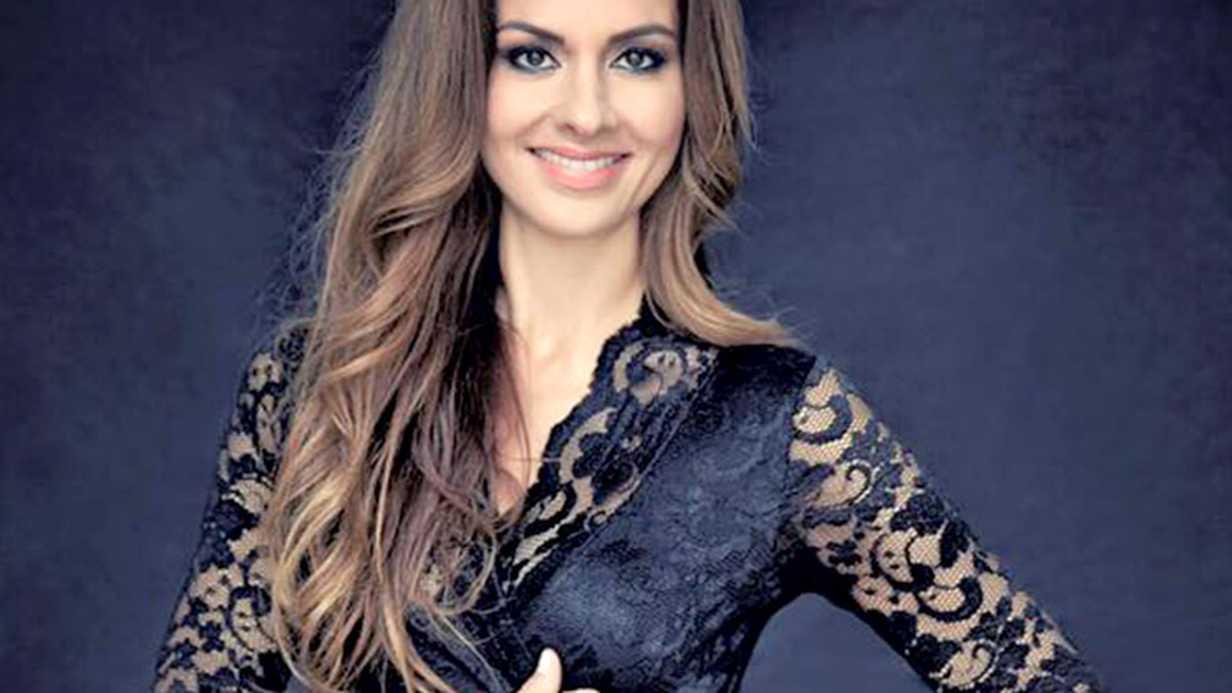 Şarkıcı Seren Akıska Amerika'da Anne Oldu!